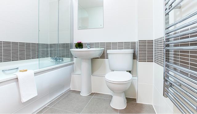 Watford Apartment 1 bathroom